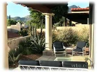 Back patio with view of catalina mountains - Beautiful La Paloma CC Home in Catalina Foothills - Tucson - rentals