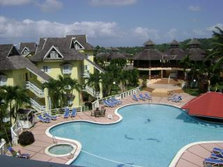 Central Area - Condos at the Ridge - Two Bedroom Penthouse - Ocho Rios - rentals