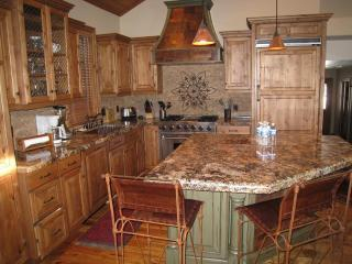 WALK TO Town Lift, Main Street: Nice home, hot tub - Park City vacation rentals