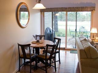 Cozy, Pet-Friendly Sunriver Condo On the Golf Course - Sunriver vacation rentals