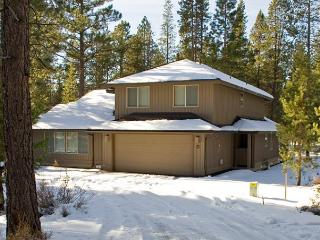 Family Sunriver Home with Bikes and A/C With SHARC passes - Sunriver vacation rentals