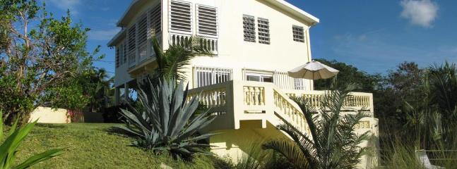 3 bedroom, 3 bathroom with lots of entertaining space - Cacimar House  for 6 - Privacy, Pool, Great Views - Isla de Vieques - rentals
