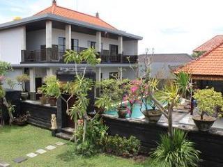 STUNNING 6 BEDROOM VILLA (13 PERS) IN TOP LOCATION ! - Seminyak vacation rentals