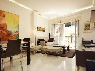 Luxury apartment in the heart of town-free parking - Lisbon vacation rentals