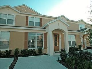 Spacious 3 bedroom/ 3 bathroom townhome with private splash pool - Princess Ballroom - Kissimmee - rentals
