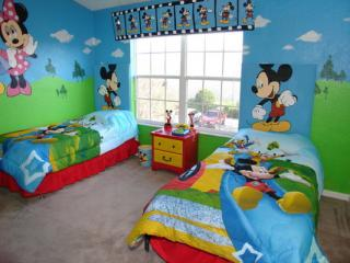 Mickey & Minnie Bedroom - Disney's Castle, Fun Kissimmee Vacation Rental for the Family - Kissimmee - rentals