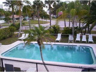 Affordable Tropical Beach Getaway on Siesta Key - Siesta Key vacation rentals