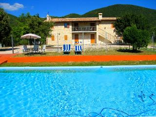 Posto Del Sole:Country House - Preci vacation rentals