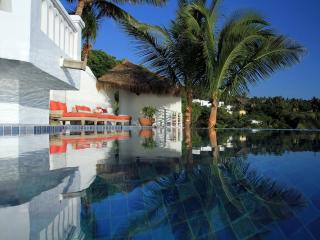 Beachfront Villa in La Punta, Manzanillo, Mexico - Manzanillo vacation rentals