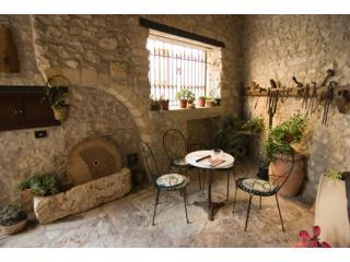 "The courtyard where you can sit and unwind - Santa Teresa rental : ""unique stay in Erice "" - Erice - rentals"
