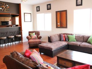 Modern Townhome adj. to Pasadena- Special $175/nt - Los Angeles vacation rentals