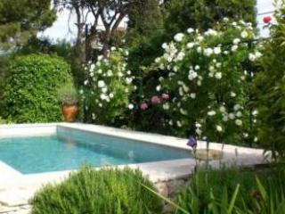 Wonderful Picciola 4 Bedroom Villa with a Pool, Cannes - Image 1 - Cannes - rentals