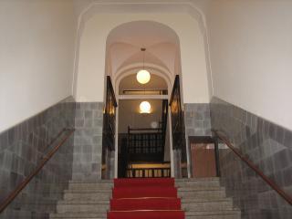 Building's entrance - DAlex - vacation rental in central Munich location - Munich - rentals