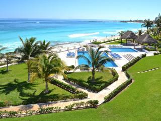 Cancun 3 Bedroom Beachfront Villa - Villas Nizuc - Cancun vacation rentals