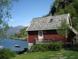 Cottage with a view.JPG - Fretheim Fjordhytter-cottages on the fjord in Flåm - Flåm - rentals