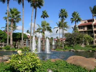 Resort entrance with three sets of fountains - Kamaole Sands 1-204 Views - Inner Court Yard Condo - Kihei - rentals