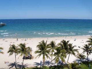 Luxury Waterfront Home, pool & 1 mile to beach - Deerfield Beach vacation rentals
