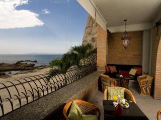 Vida Mar - Casa Tres Vidas - Beachfront Villa - Puerto Vallarta vacation rentals
