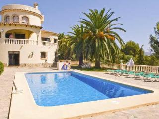 Villa Jacaranda Moraira, air-con, pool & UK TV - Benissa vacation rentals