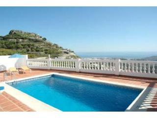 Villa Arabe nr Nerja, pool, 10 min walk to village - Benamocarra vacation rentals
