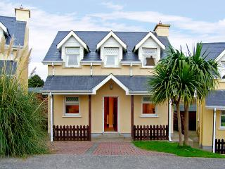 9 RAVENS POINT COTTAGE, family friendly, with a garden in Curracloe, County Wexford, Ref 3745 - Wexford vacation rentals