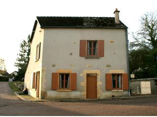 Burgundy Vacation and Holiday Rentals near Dijon - Arcy-sur-Cure vacation rentals