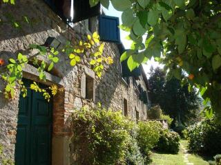 Le Mura Farmhouse Villa Lucca Tuscany Heated Pool - Lucca vacation rentals