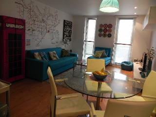 Tempus Wharf, Tower Bridge design apartment - San Sebastian - Donostia vacation rentals