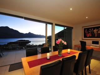 Queenscliff luxury villa in Queenstown New Zealand - Queenstown vacation rentals