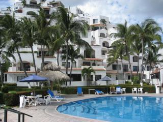 Poolside at the condo - Premium Ocean Side Las Hadas studio condo - Manzanillo - rentals