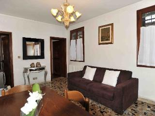 Apartment Catria Flat rental Venice - Paris vacation rentals