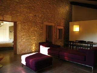 Beau Chateau - The Cottage Houserental St Laurent des Arbres - Saint-Laurent-des-Arbres vacation rentals