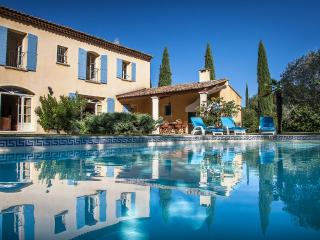 Mas Charmant Villa in Provence, St. Remy villa, holiday rental in St. Remy - Saint-Remy-de-Provence vacation rentals