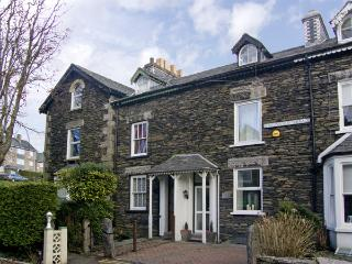 NUMBER 16, family friendly, luxury holiday cottage, with a garden in Bowness & Windermere, Ref 3791 - Bowness & Windermere vacation rentals