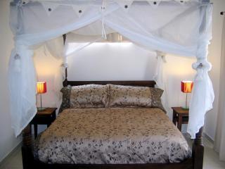 Affordable Luxury Condo - Clean & Modern - Playa del Carmen vacation rentals