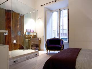 2 BR in El Born, central charming Vintage apt - Barcelona vacation rentals