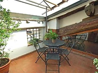 Delightful 2 Bedr Apt with Balcony Within the Wall - Lucca vacation rentals
