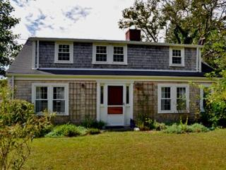 SOPHISTICATED RENOVATED COTTAGE - KAT SBRO-138 - Edgartown vacation rentals
