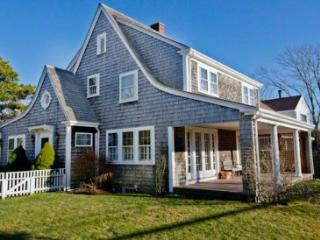 WATER'S END: A CHARMING 1920'S BUNGALOW ON SOUTH WATER STREET - EDG LGED-153 - Edgartown vacation rentals