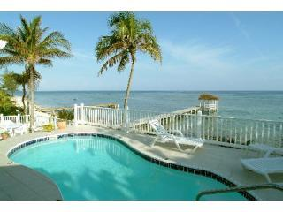 Oceanside Freshwater Pool - Luxury Beach Villa, Pool,Dock and Gazebo 4,5,6 BRs - North Side - rentals