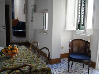 The dining table - Lovely sea view and quiet: Butera28 Apartment #10 - Palermo - rentals
