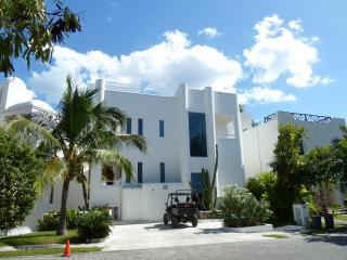 Casa Susana in Playacar-Architectural Delight - Playa del Carmen vacation rentals