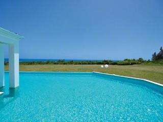 Caribbean Sea views, perfect for a family or special occasion. C AMB - Terres Basses vacation rentals