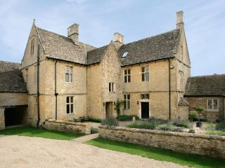 Charming House in the English Countryside Near a Village - Gretel's Cottage - Cotswolds vacation rentals