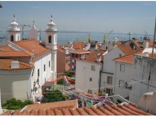 Alfama Hill - Boutique apartment with river view - Lisbon vacation rentals