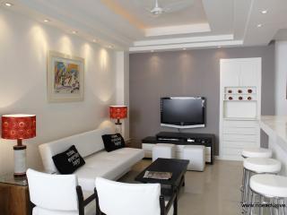 Rio041 - Apartment in Ipanema next to General Osorio square - Ipanema vacation rentals