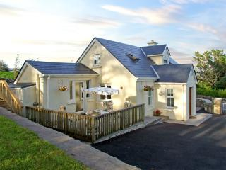 1 CLANCY COTTAGES, family friendly, with a garden in Kilkieran, County Galway, Ref 3706 - County Galway vacation rentals
