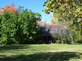 Ellis Guest House - Cleveland vacation rentals