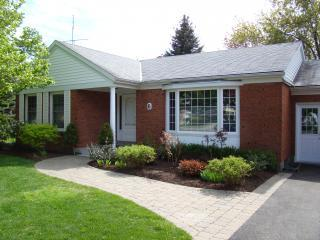 Heritage Trail Luxury Cottage & Garden Retreat - Niagara-on-the-Lake vacation rentals