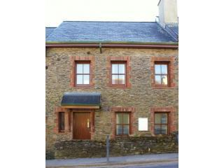 Front of House - Burnham View Townhouse WIFI - Dingle - rentals
